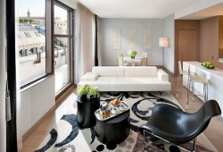 9-paris-suite-couture-living-room