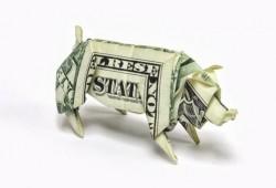 01-money-folding-pig